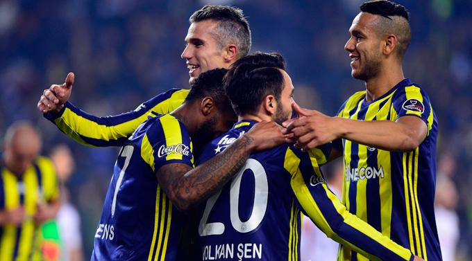 Fenerbahçe Kadıköy'de K. Karabükspor karşısında coştu