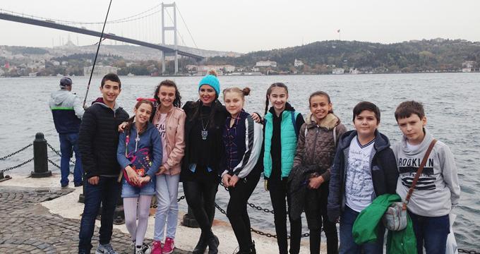 Ahmet Şimşekli öğrenciler İstanbul'u gezdiler