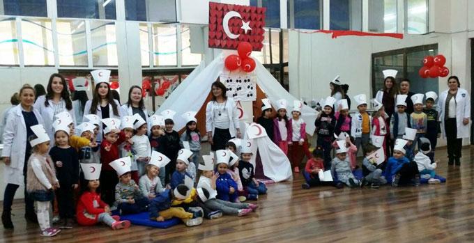 Ahmet Şimşek Koleji öğrenciler Kızılay haftasını kutladılar
