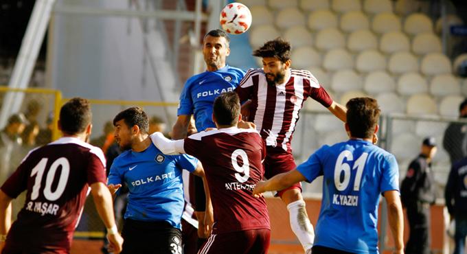 İzmir deplasmanında Altay'la karşılaşan Kartalspor, 90+5 te bir puanı kurtardı