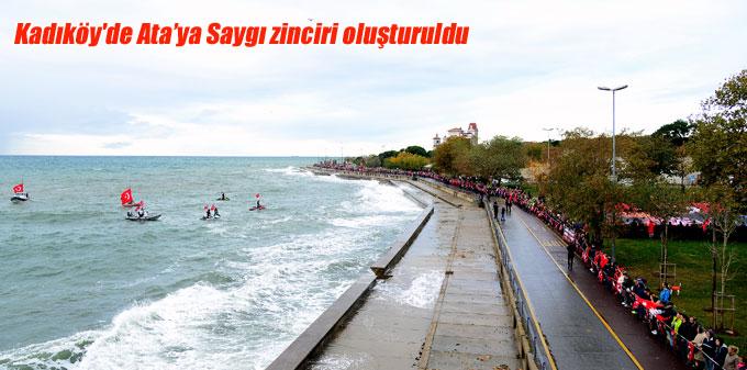 Kadıköy'de Ata'ya Saygı zinciri oluşturuldu