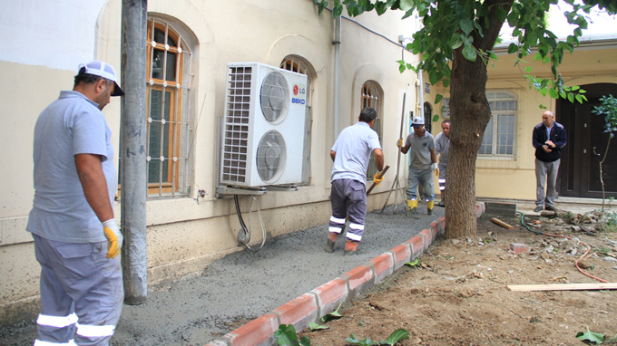 Maarif-İ Sultan Camii'nin bahçesi yenilendi