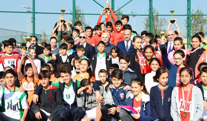 Kartal'da okullar arası Kros Yarışmaları yapıldı