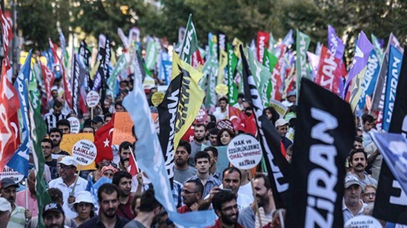 Kartal'da CHP – HDP ve çeşitli stkların katıldığı miting başladı