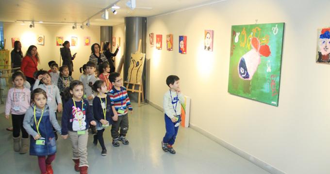 """""""Mutluluğun Resmini Yapan Çocuklar"""" Sergisi Nazım Hikmet Kültür ve Sanat Evi'nde Açıldı"""