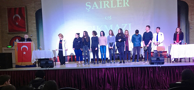 Ahmet Şimşekli öğrenciler yaşanılanı şiirlerle anlattı