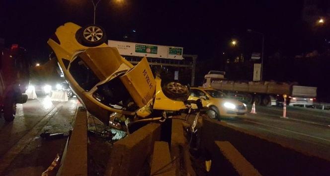 Ticari taksi içindeki yolcularla takla attı: 1 ölü, 2 yaralı