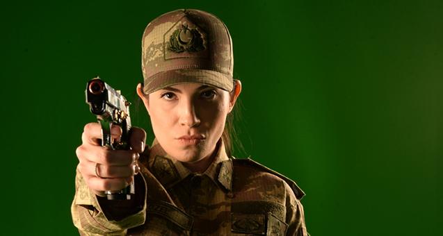 Beyazperdenin kadın komutanı