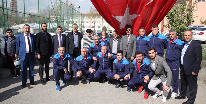 Başkan Altınok Öz Şehit Fethi Sekin Futbol Turnuvasına Katıldı