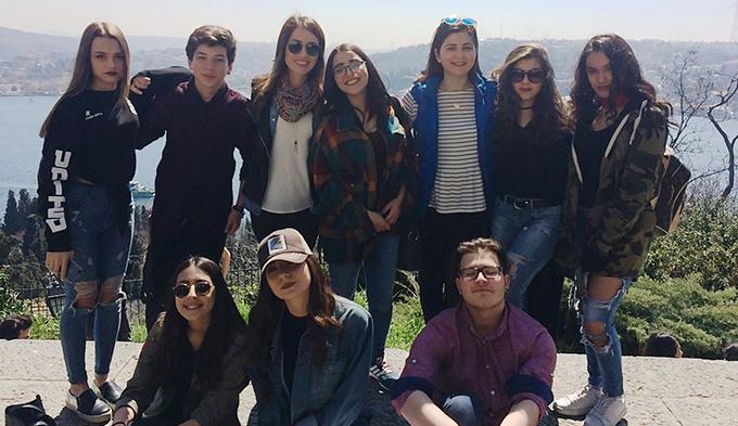 Ahmet Şimşekli öğrenciler Aşiyan'da