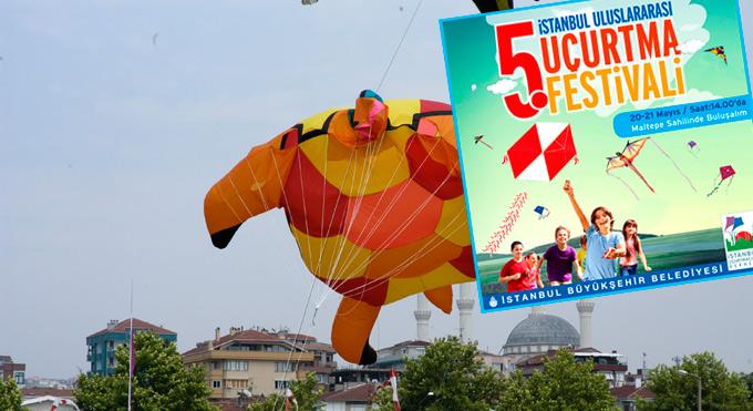 Uçurtma Festivalinde gökyüzünden oyuncak ve çikolata yağacak