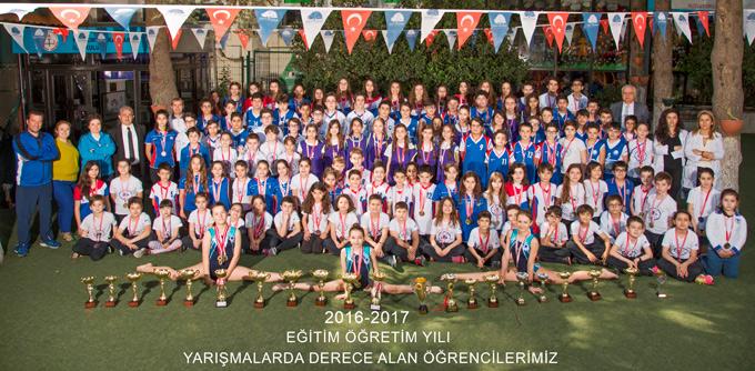 Yakacık Balkanlar Koleji öğrencileri başarılarını şampiyonluklarıyla kanıtladılar