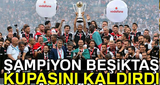 Süper Lig Şampiyonu Beşiktaş, evinde kupasına kavuştu