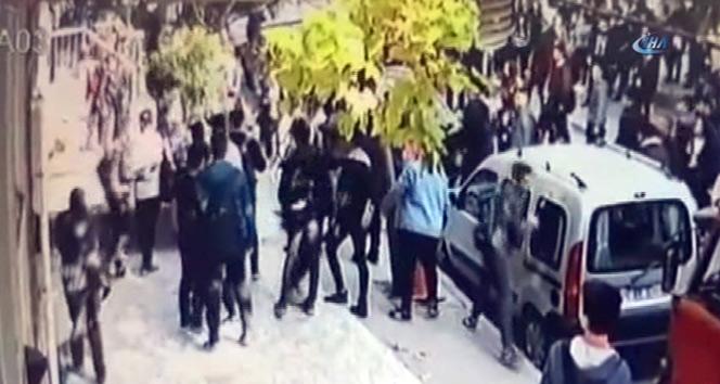 Avcılar'da öğrenciler arasında ki tartışma sopalı kavgaya dönüştü