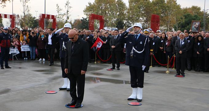 Kartal Meydan'ında Atatürk törenle anıldı