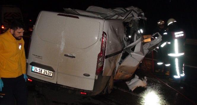Kartal Tem bağlantı yolu Yakacık mevkiinde kaza: 1 ölü 1 yaralı