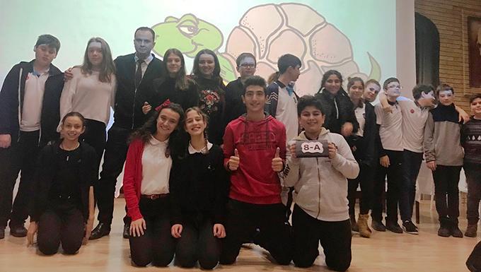 Ahmet Şimşek'te İngilizce yarışmaları çekişmeli geçiyor