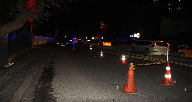Bir gece kulübüne silahlı saldırı: 1'i ağır 3 yaralı