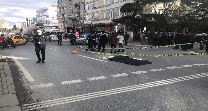 75 yaşındaki yaşlı kadına beton mikseri çarptı