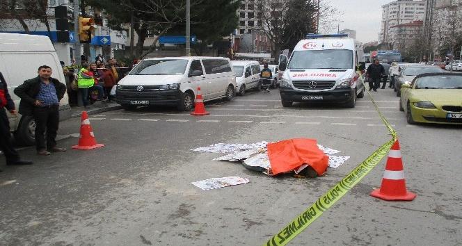 Kadıköy'de hafriyat kamyonu, karşıdan karşıya geçen yaşlı kadına çarptı