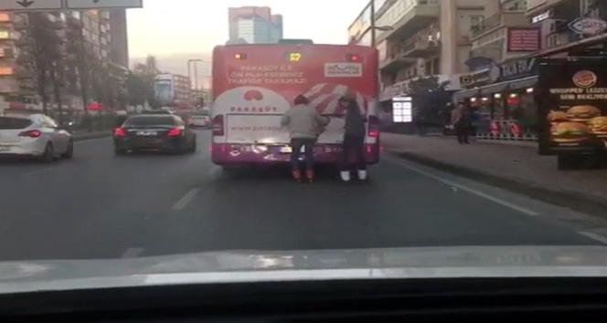 Trafikte kameralara yansıyan görüntüler pes dedirtti