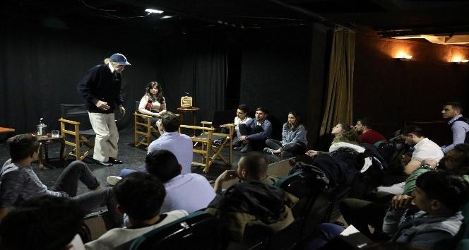 Usta oyuncu Kayhan Yıldızoğlu'ndan, ücretsiz oyunculuk eğitimi