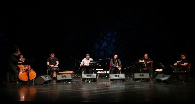 Yansımalar grubu konser verdi dinleyenleri mest etti