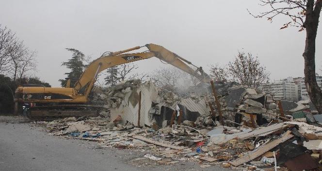 Maçka Parkı'nda kafeterya yıkım esnasında olay