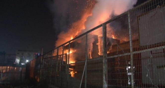 Ümraniye Dudullu Organize Sanayi Sitesinde yangın