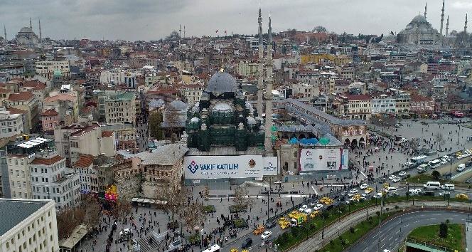 Yeni Cami'nin restorasyon çalışmaları havadan görüntülendi