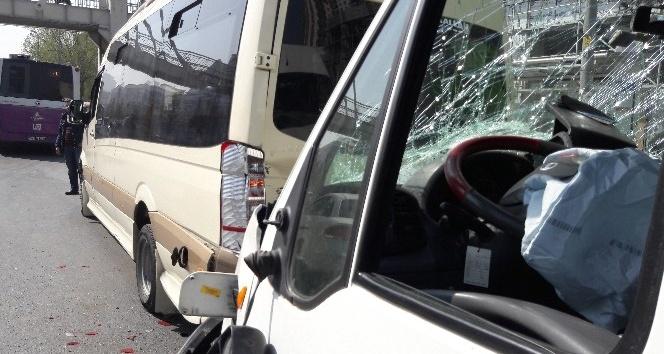 Yolcu minibüsü kaza yaptı: 1'i ağır 5 yaralı
