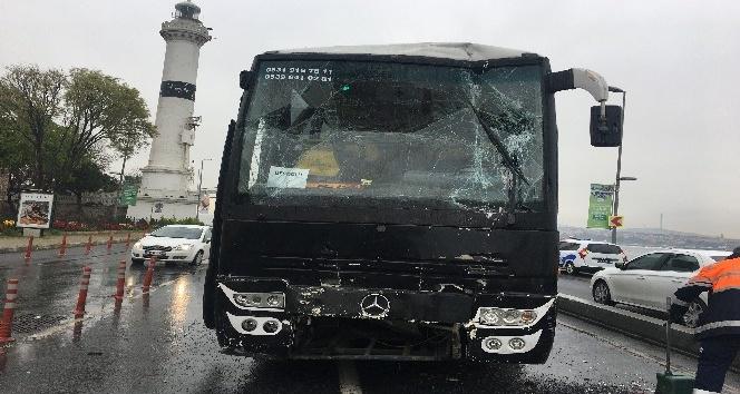 Öğrencileri taşıyan gezi otobüsü kaza yaptı: 19 öğrenci hafif yaralı