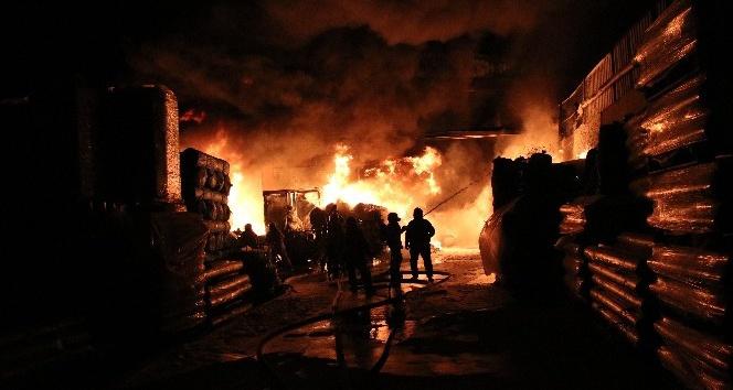 2 bin metrekarelik izolasyon fabrikasında yangın