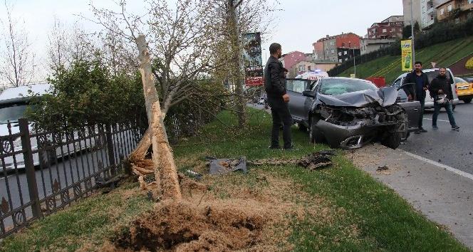Sivil polis aracı kaza yaptı: 2 yaralı