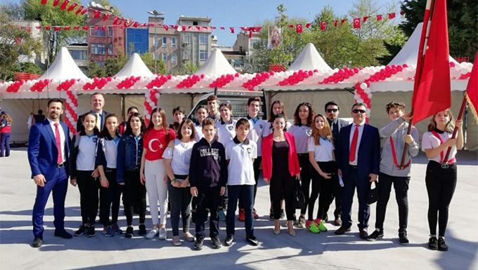 Ahmet Şimşek Koleji öğrencileri, 23 Nisan'ı coşkuyla kutladı