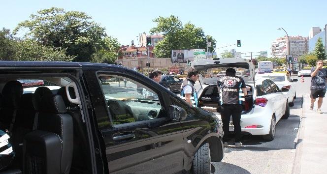UBER sürücü ile sivil trafik ekipleri arasında ilginç diyalog