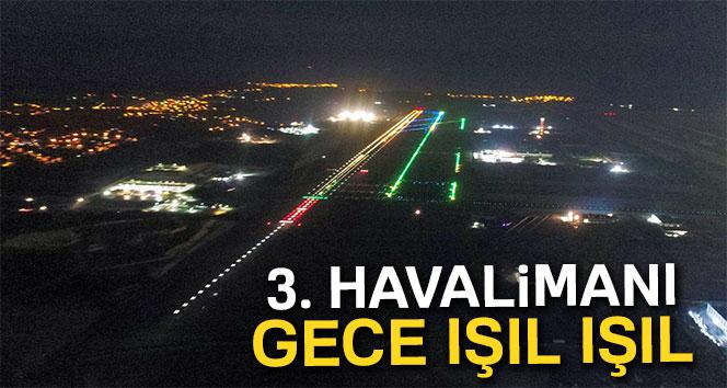 3. Havalimanının gece ışıl ışıl