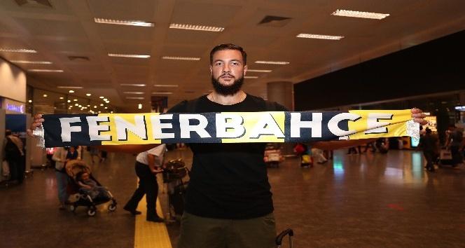 Fenerbahçe Doğuş'un yeni transferi İstanbul'a geldi