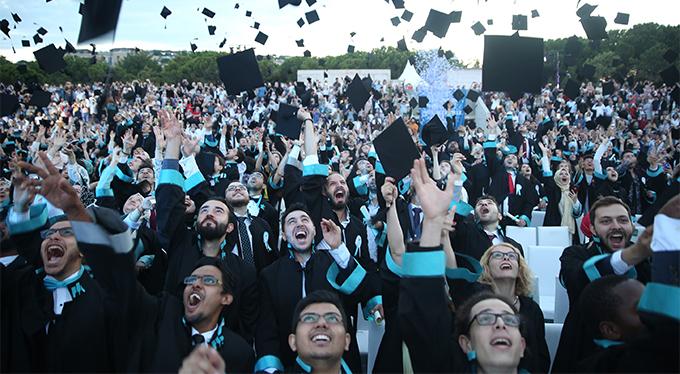 İstanbul Şehir Üniversitesi 10. yılında 948 mezun verdi