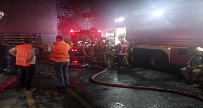 Arabalar için klima üreten bir fabrikada yangın çıktı