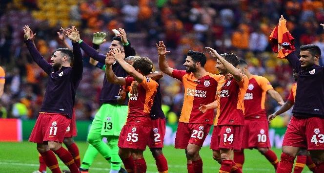 Galatasaray, Lokomotiv Moskova'yı evinde 3-0 mağlup etti