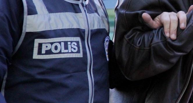 Ünlü bir komedyenin ağabeyi hırsızlıktan gözaltına alındı
