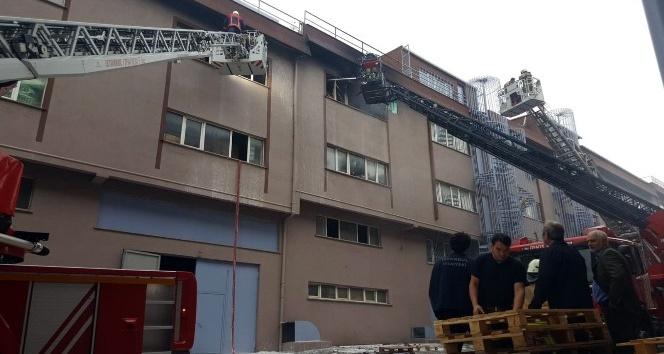 Sanayi sitesinde fabrika yangını