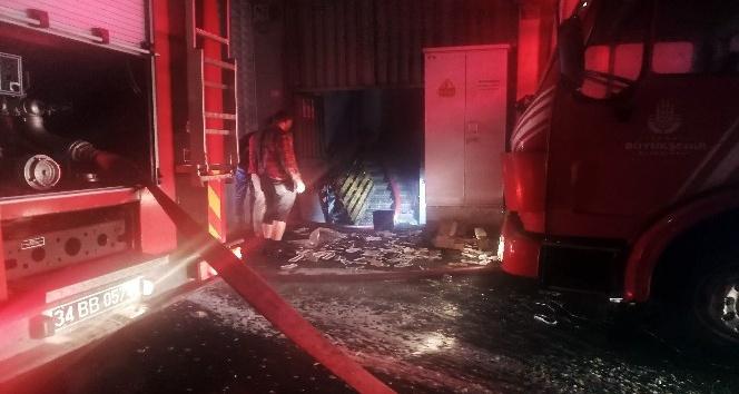 Plastik malzeme fabrikasında korkutan yangın