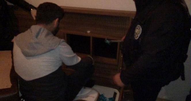 Narkotik operasyonunda polisi şoke eden raylı sistem
