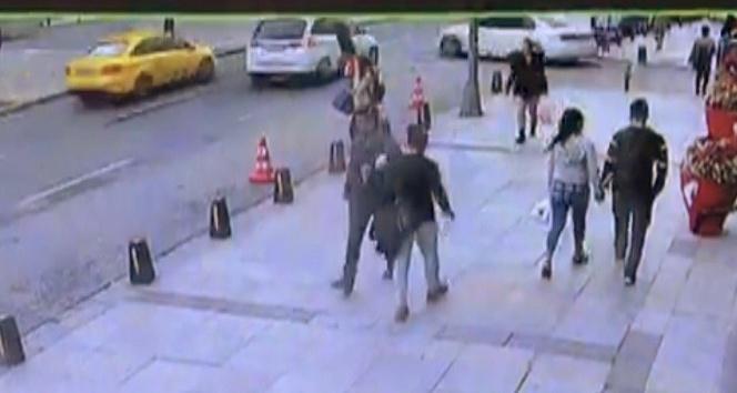 Harbiye'de 3 aracın birbirine girdiği kaza kamerada