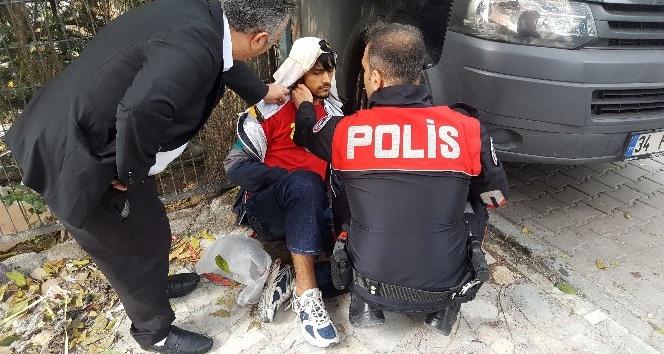 """Yaralı Afgan gence polisten: """"Sakın gözlerini kapatma"""""""