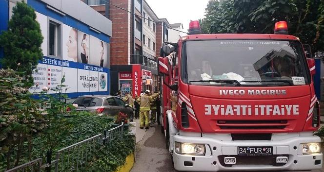 Pendik'te hastanenin deposunda yangın paniği