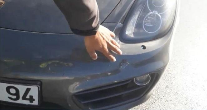 TEM Otoyolu'nda 'rögar kapağı' kazası: 3 araç birbirine girdi