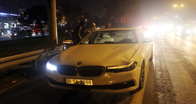 Polisten kaçmaya çalışan yayaya otomobil çarptı